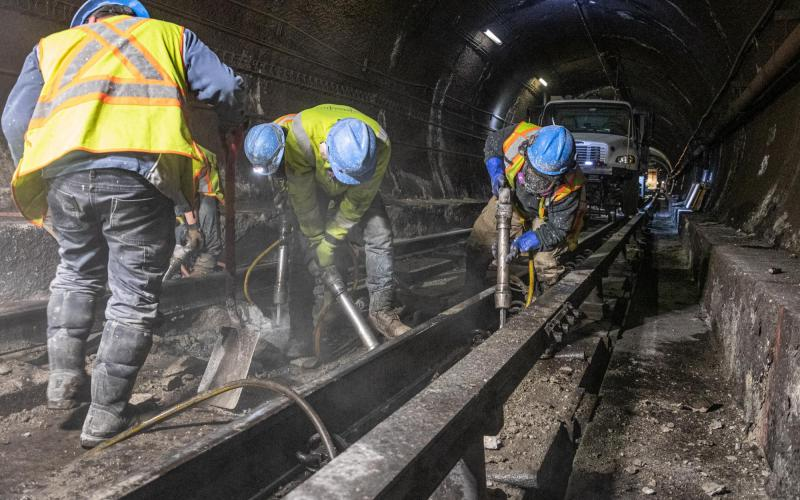 Crew members replace floating slabs at Porter during the January 24–26, 2020, Red Line weekend shutdown